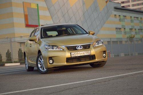 Lexus CT 200h на тест-драйве Drom.ru