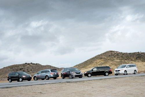 Все ждали обновления моделей для 2011: каждый из этих минивэнов подвергся значительной модернизации.