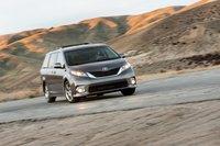 Toyota позиционирует комплектацию SE как спортивную версию модели Sienna, хотя на наш вгляд машина хороша во всем.