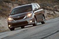 Стали бы вы искать такую заброшенную дорогу для своего Toyota Sienna 2011? Скорее всего, нет.