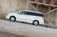На скорости 110 км/ч в салоне Nissan Quest 2011 тише всего.