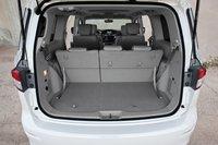 Что там насчет высокого пола в багажнике минивэна?
