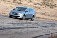 Именно Honda Odyssey оказался лидером у двух наших редакторов при выборе машины, которую они стали бы рекомендовать хорошим знакомым, хотя даже это не сможет компенсировать его бедную комплектацию.