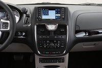 В этом году Chrysler добавил карты Garmin в опциональную систему навигации. Интерфейс же по-прежнему оставляет желать лучшего.