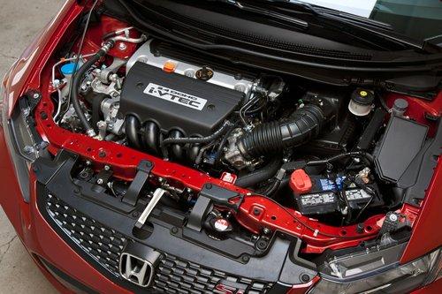 Обладающий мощностью в 201л.с., «новый» 2,4-литровый рядный четырехцилиндровый двигатель Civic принадлежит к серии моторов К24 с довольно длинной историей.