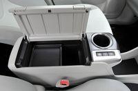 5-местный вариант Toyota Prius Alpha