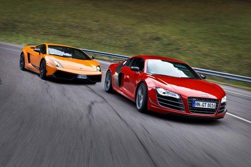 Audi R8 GT и Lamborghini Gallardo LP570-4 Superleggera бьются за место под солнцем в мире экзотических суперкаров.