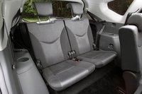 Объем багажного отделения 5-тиместной модификации при максимальном количестве пассажиров составляет 535 литров. Опустив спинки второго ряда сидений, багажник можно увеличить до 1070 литров. Под полом автомобиля также располагается отделение для небольшой поклажи.