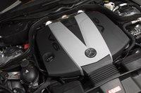 Турбодизельный V6 объемом 3,0 литра плавный и тяговитый, но темп не тот, что у гибридного Infiniti.