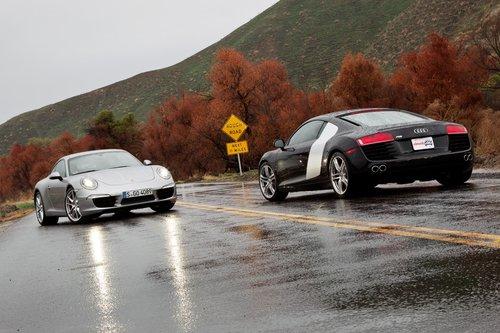 Когда мы делали эти снимки, дождя не было. Это дорога плакала от счастья.