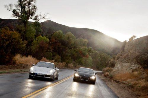 R8 и 911 созданы под одним зонтом марки Volkswagen. Но на съемки ни один из них зонта не взял.
