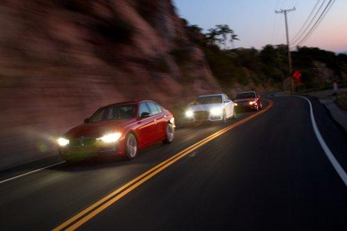 На горном серпантине первым оказывается Audi, а вовсе не BMW.