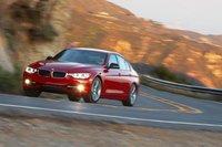 Направо BMW тоже умеют поворачивать.
