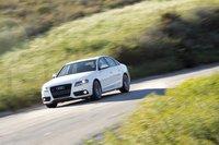 Пакеты опций Audi — Sline и Sline Plus — подразумевают жесткую подвеску и большие цепкие покрышки. В результате A4 показал лучшую в этом тесте управляемость.