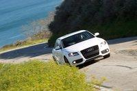 Audi A4 демонстрирует минимальные крены кузова.