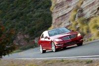 Контролировать Benz достаточно просто, вот только его двигатель не вдохновляет на подвиги на второстепенных дорогах.