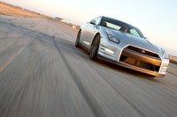 В 2013модельном году GT-R снова перенастроят, унего появятся 15дополнительных «лошадок» и 20Нм крутящего момента, и несколько изменят настройки подвески.