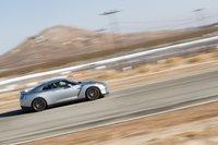 Ни для кого несюрприз, что GT-R ошеломляюще быстр натреке, причем простота, скоторой эта скорость достигается и контролируется, ошеломляет еще больше.