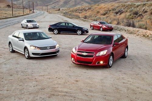 Chevrolet Malibu и Volkswagen Passat могли бы нарушить баланс мощности в классе семейных седанов.
