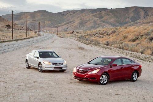 Напоминаем, что скорее выбрали бы Honda Accord EX, но он обойдется дороже, чем Hyundai, при более скудной комплектации.
