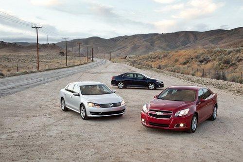 Без сомнений Toyota Camry SE отлично смотрится на фоне прочих семейных седанов. Sonata превзошел его лишь по богатству комплектации.