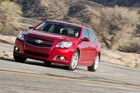 Обновленный Chevrolet Malibu значительно выигрывает на фоне предшественников, хотя стоимость в $29000 предопределила его проигрыш в данном тесте.