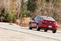 Основная проблема заключается в том, что на данный момент Chevy запустили в продажу только облегченную гибридную версию Eco, которая дороже.