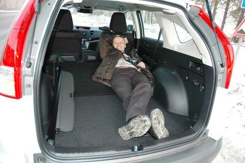 Если что, размеры багажника позволят вполне свободно переночевать