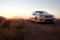 Стиль Accord всегда такой комфортный и уютный; это эквивалент Джина Хэкмена в мире автомобилей.