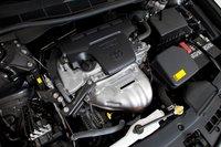 Вполне возможно это самый уродливый моторный отсек в этом классе, хотя 2,5-литровый двигатель довольно мощный, но недостаточно мощный, чтобы побить Accord.