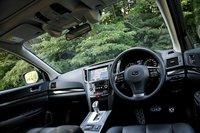 Модель 2.0GT DIT EyeSight сочетает в себе удовольствие от вождения и высокую степень безопасности. Она представлена в двух комплектациях: B4 (3538500 иен) и Touring Wagon (3696000 иен). Добавив к стоимости стандартной 2.0GT DIT всего 105000 иен, вы получаете новейшее устройство обеспечения безопасности, включающее систему предаварийного торможения, адаптивный круиз-контроль и прочие полезные функции.