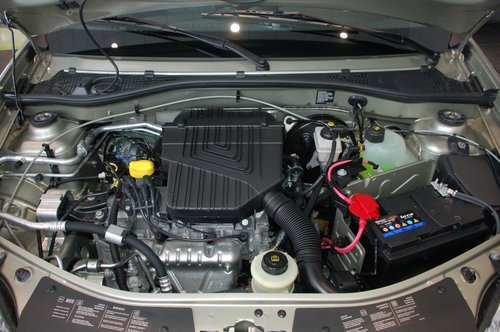 75-сильный 1,4-литровый двигатель неплохо тянет на «низах» и не любит «верхов». Чудес от него ждать не стоит и все же благодаря прозрачному управлению тягой с ним не чувствуешь ущербности ни в городе ни на трассе