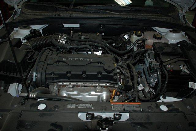 1,6-литровый F16D3 достался Cruze от Lacetti, тому перешел от Daewoo, а ему, в свою очередь, от Opel начала 90-х годов, если не ранее. Развивает он 109 л.с. Для внутреннего рынка Кореи Chevrolet предлагает 124-сильный Ecotec