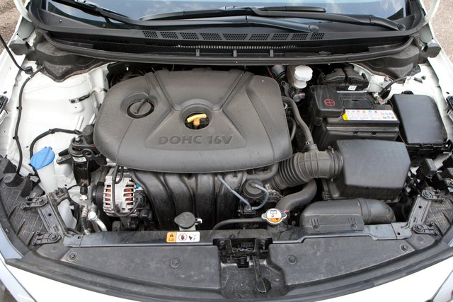 Темперамент двухлитрового двигателя компенсирует седану отсутствие яркой внешности