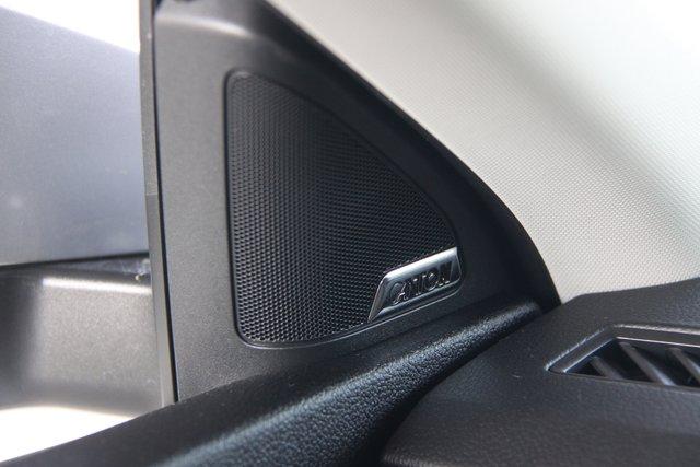 Skoda Octavia. Музыкальная система от известного в аудиоиндустрии производителя акустики Canton