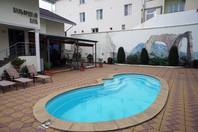 Внутренний дворик Малекон отеля. Цена за 2-местный номер — 2200-3600 руб.