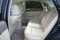 6.Предмет гордости в салоне Fuga – просторные задние сидения. По такому показателю, как свободное пространство под ногами задних пассажиров,  этот салон может вполне поспорить с салоном Mercedes класса S, или BMW 7 Series.