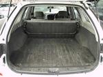 Багажники обеих моделей равновеликие, однако у Avenir есть подпольные отсеки, кармашки с сеточками и ворсовое покрытие, в то время как легкомоющийся багажник Expert даже внутренней ручки закрывания двери не имеет