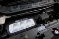 Если посмотреть, какими силовыми агрегатами оснащаются машины – конкуренты, то получится следующая картина. Автомобиль Toyota Alhpard имеет в своем распоряжении 3-х литровый двигатель мощностью 220 л.с.