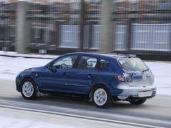 У Mazda3 таких проблем нет. Зато она жёстче и шумнее.