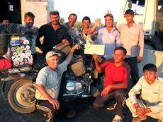 Встреча 20 000 километров пробега в компании узбекских дорожных рабочих