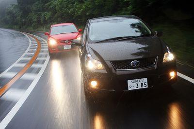 Toyota Blade Master и Mazda Speed Axela.