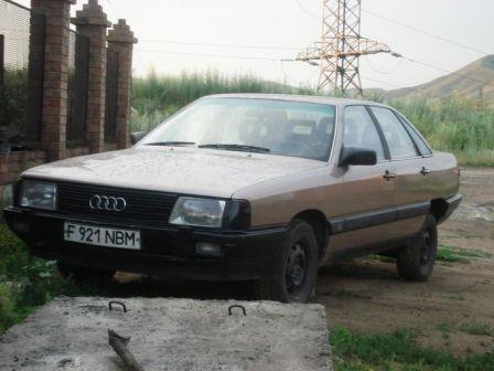 Audi 100 1986 - отзыв владельца