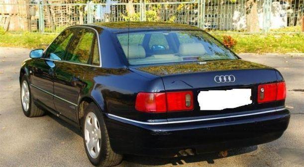 Audi A8 2000 - отзыв владельца