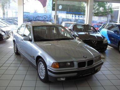 BMW 3-Series, 1993
