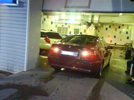 BMW 3-Series 2003 - отзыв владельца