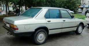 BMW 5-Series, 1982