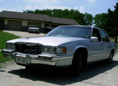 Cadillac DeVille 1991 - отзыв владельца