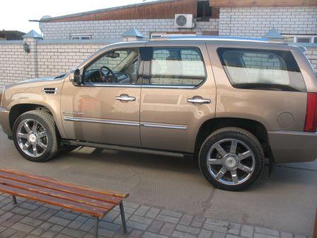 Cadillac Escalade 2007 - отзыв владельца