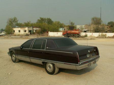 Cadillac Fleetwood 1993 - отзыв владельца